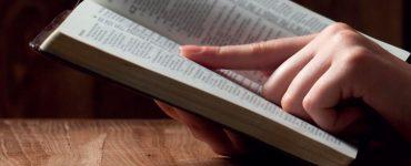 Pourquoi y a-t-il des points de vue différents sur la valeur de la Bible?