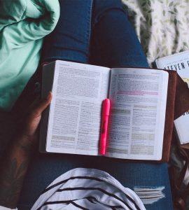 Qu'est-ce que Dieu nous enseigne dans l'épître aux Romains ?