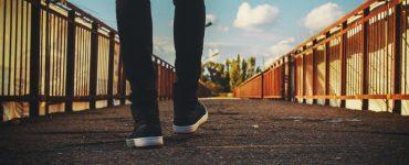 Que signifie 2 Corinthiens 5 : 7 : nous marchons par la foi et non par la vue ?