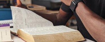 reading_bible